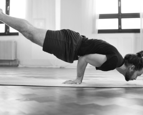 Demonstration Mayurasana