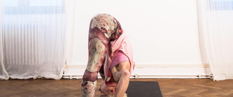 Ashtanga Yoga Asana Demonstration Prasarita Padottanasana D